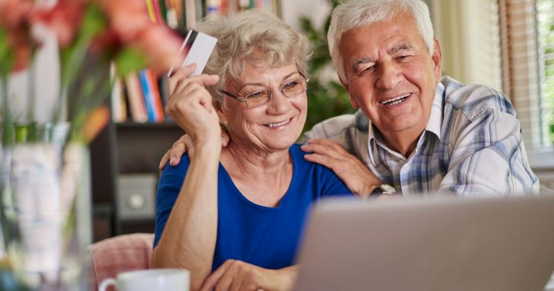 Ways Savvy Seniors Are Avoiding Online Pharmacy Scams